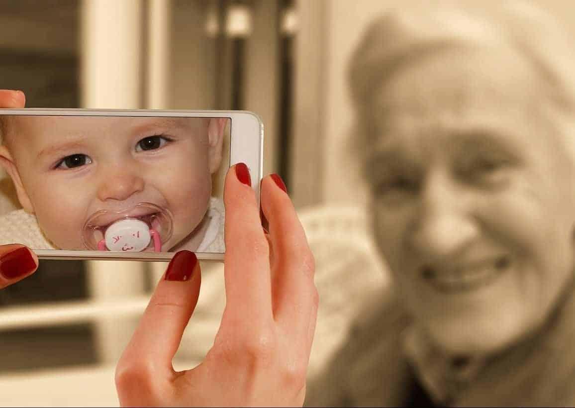 L'informatica per tutti: giovani e anziani