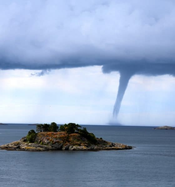 tornado mare isola